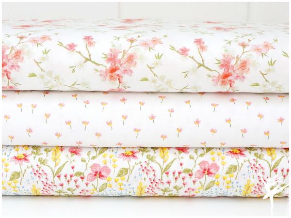 ♥ Stoffpaket 1,5 Meter Bunt/Weiß Blumen Baumwolle ♥